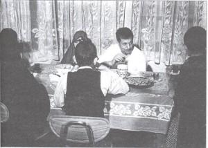 عکس قدیمی از خانواده آیت الله هاشمی