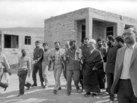 بازدید هاشمی رفسنجانی ازمناطق زلزله زده زنجان  بعد از بازسازی -عکاس دارابی